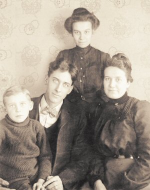 image: Joseph Newton Fulton and Family