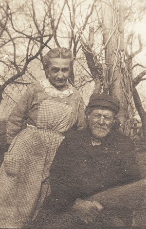 image: Stephen F. Locke and Mary Ashley Locke, in later life
